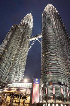 Mighty Twin Towers by rickygck