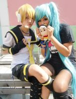 Len and Miku - Vocaloid by LilaChan