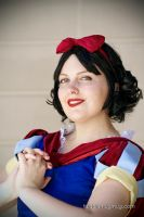 Snow White by faidoi