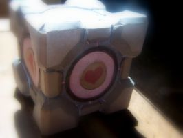 Companion Cube Papercraft by Samus117