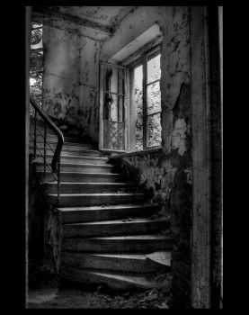 Forgotten Stairs by sinn-photos