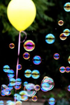 bubbles1 by patriciakliu