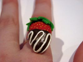 Chocolate Dipped Strawberry Ring by yobanda