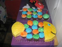 Fish Cake with Cupcakes by Destinyknights