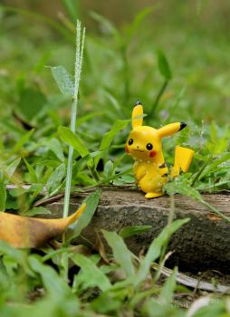 A wild Pikachu appeared! by saber-kite