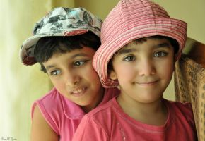 Maryam and Fatma by Dm3t-7zen