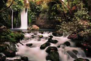 Tranquil waterfall 2 by titah