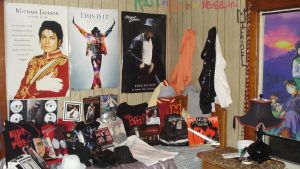 my room full of MJJ by Dark7Priestess7Kikyo