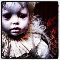 The Doll that creeps in the Night by VisualEyeCandy