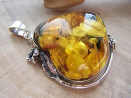 Amber Charm with Flakes v2 by MadOnion1