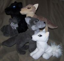 Wolf rain group plush by YutakaYumi