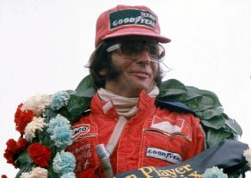 Emerson Fittipaldi (Great Britain 1975) by F1-history