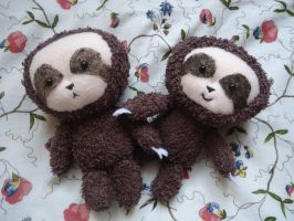 Sloth Plush (SOLD OUT) by judithchen