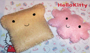 Mini Plushie toast and cloud by Daisy--Chains
