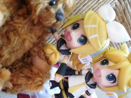 Rin and len with a lil' teddy bear by evangeline40003