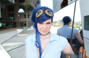 Vi the Piltover Enforcer with blue hair by ChrixDesign