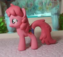 My Little pony custom Berry Punch/Berryshine by SanadaOokmai