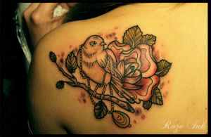 bird tattoo by rozeink