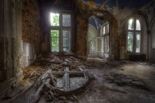 Chateau Noisy - The Decay by DimitriKING