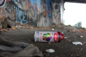 Empty cans... by LeNZ-one