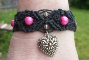 hot heart hemp bracelet by HempLady4u