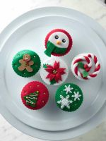 Christmas Cupcakes 2010 by Sliceofcake