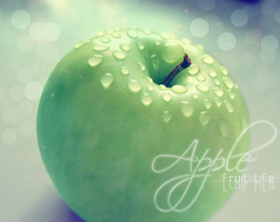 apple by yellowflys