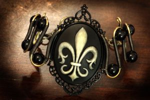 Steampunk Goth Jewelry - Bracelet - Fleur de Lis by CatherinetteRings