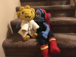 Alphys and Undyne Plush by Friendlyfoxpal
