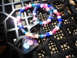 Pink Blue Starry Macaroon resin kandi necklace by Lutrasaura