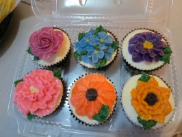flower cupcake by Vaniraa