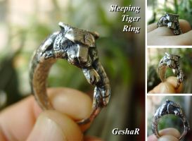 Sleeping Tiger Ring by GeshaR