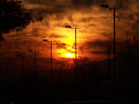 Infierno atardecer by Inside-at-door