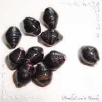 Black paper beads by AmeliaLune