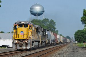 UP and NS 16E 6-17-11 by the-railblazer