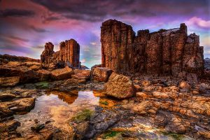 Cathedral rocks at Bombo by Kounelli1