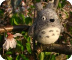 Felted Totoro by michelleness