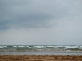 Beach cloudy day by anakinpedro