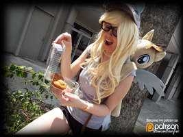 (MLP) Derpy Hooves Finds Muffins! (Cosplay) by KrazyKari