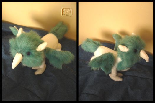 HP: Hippogrif Plushie by VesteNotus