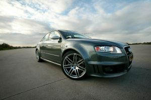 Audi RS4 by Vipervelocity