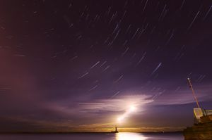 Moontrail and starbeams by Wayman