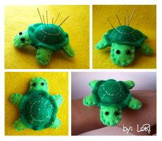 Turtle Pincushion by LoRi-La-Tortuga
