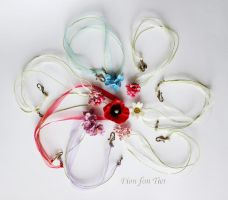 Simple Flower Necklaces by fion-fon-tier
