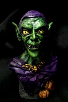 Green Goblin statue1 by RavenousEFX