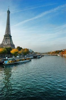 Eiffel Tower 3 by AlanSmithers