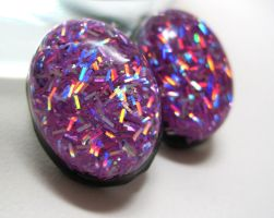 Oval Studs w. Purple Glitter by ExperienceDesigns