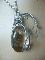 Smoky quartz pendant by Ilyere