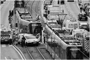 Hot files - Car vs. Tram by andyshade