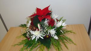 Xmas round arrangement by Haleema-A